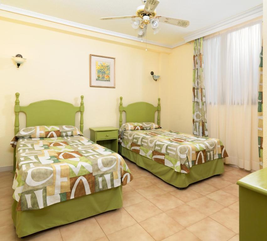Paradise Court Aparthotel - Laterooms