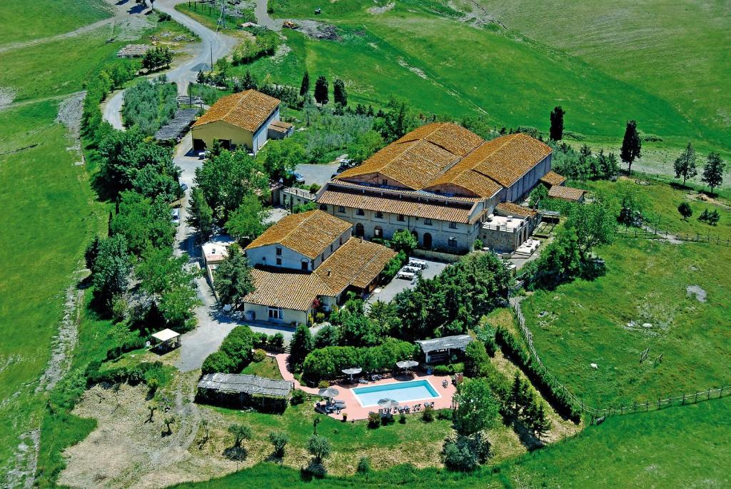 A bird's-eye view of Fattoria Lischeto