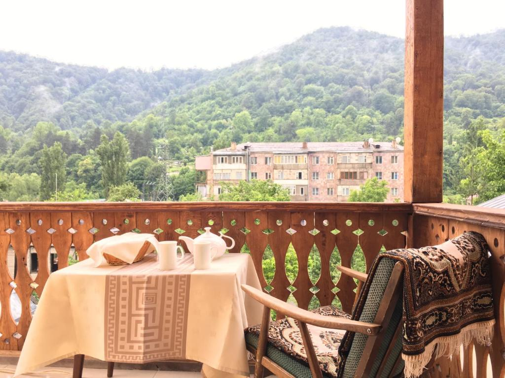 A balcony or terrace at Areguni Guest House