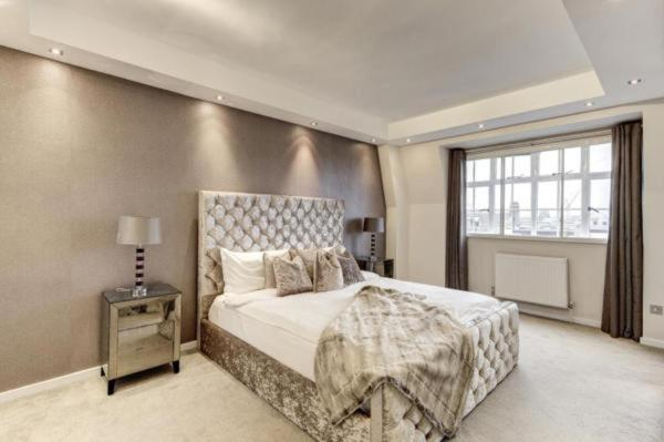 Millennium Knightsbridge - Laterooms