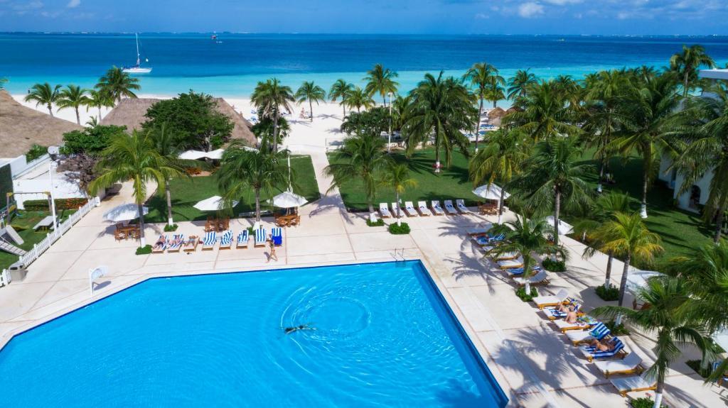 Beach Scape Kin-Ha Villas & Suites