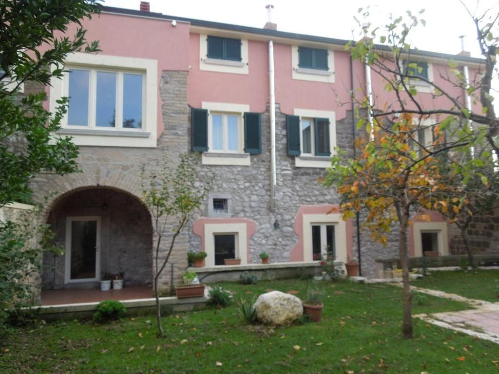 Hotels In Melizzano