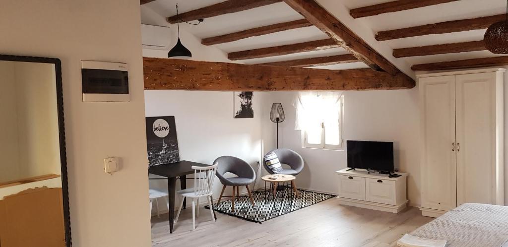 A seating area at Casa Mulino