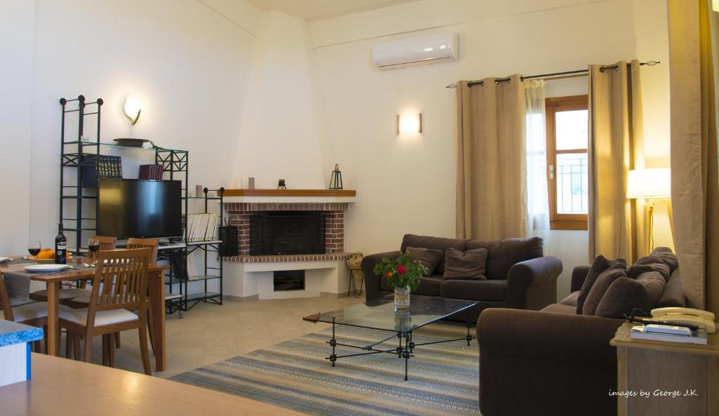 A seating area at Maisonette House Minos