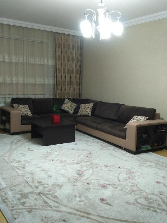 Uma área de estar em Sweet home Gusar.