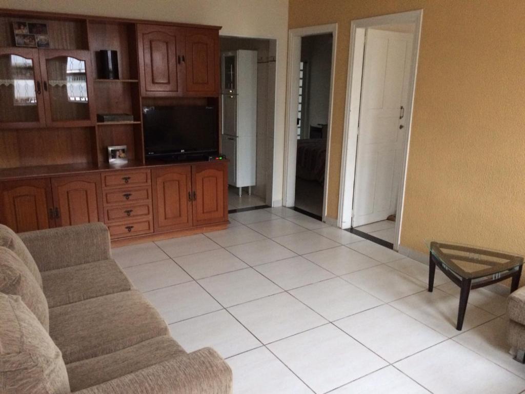 Casa Familiar em Campinas com 2 Quartos para 1 carro sedan ou 2 hatchs