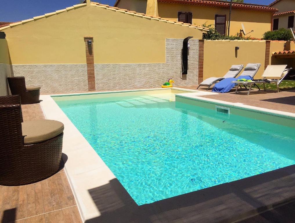 Piscina di Pula With Pool o nelle vicinanze