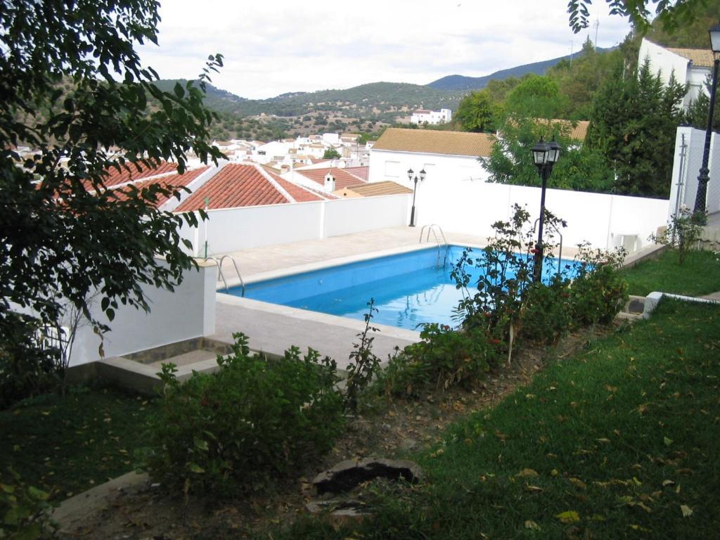 Vista de la piscina de Casas el Albarracín o alrededores