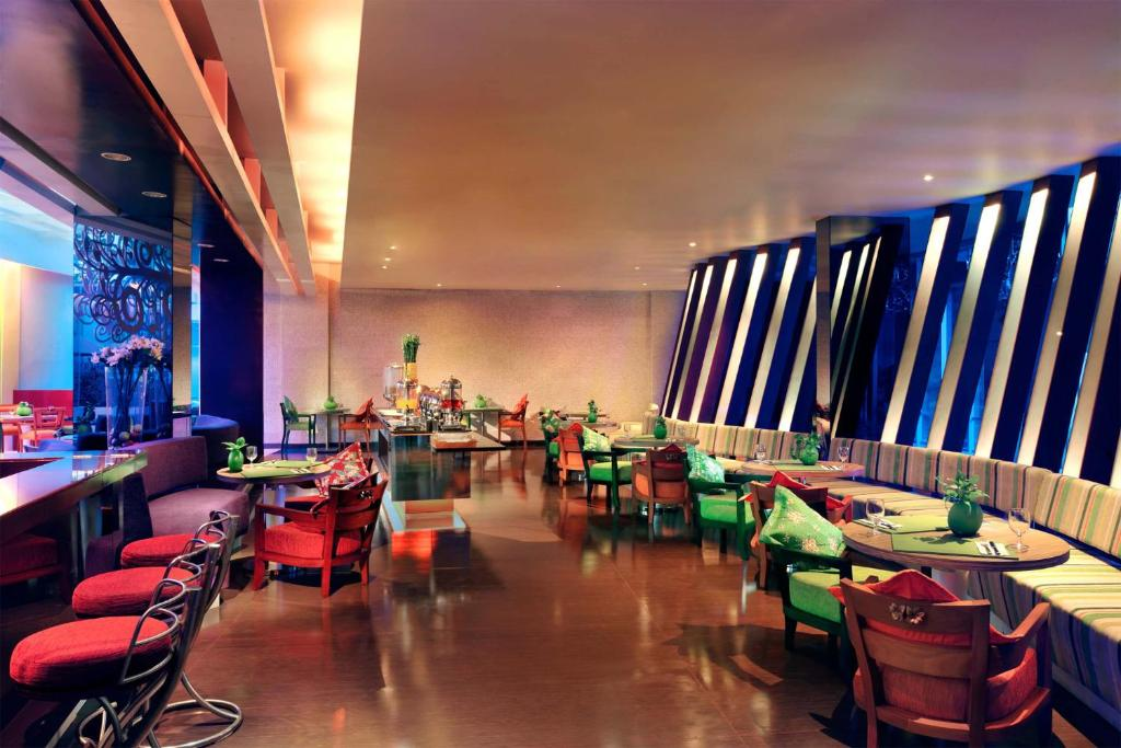 A restaurant or other place to eat at Ibis Styles Bali Denpasar