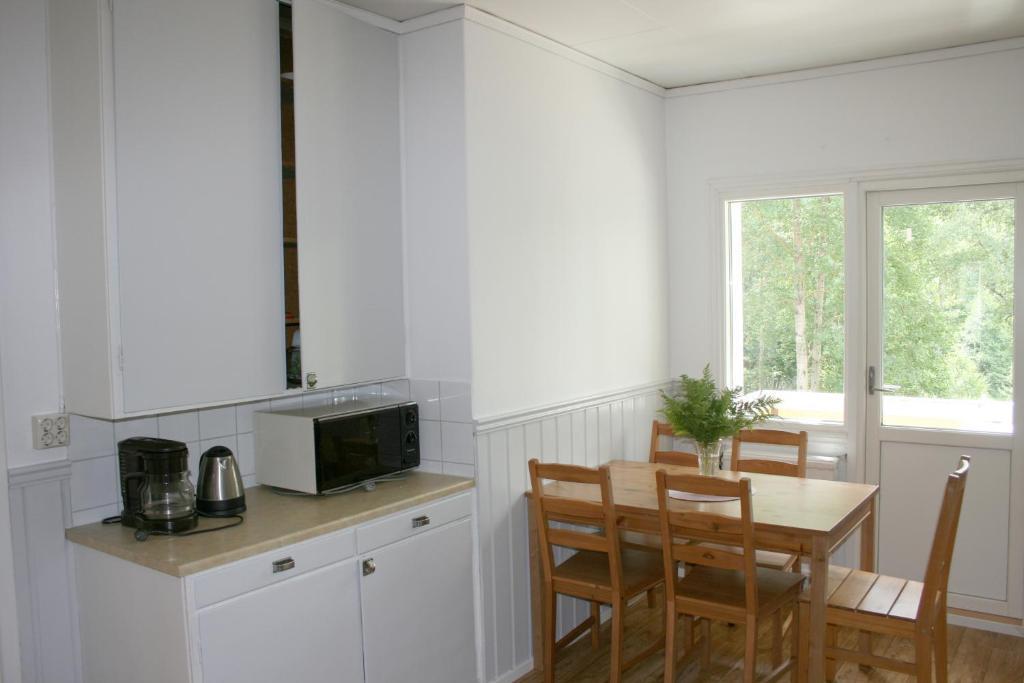 Ett kök eller pentry på Borggården Apartment