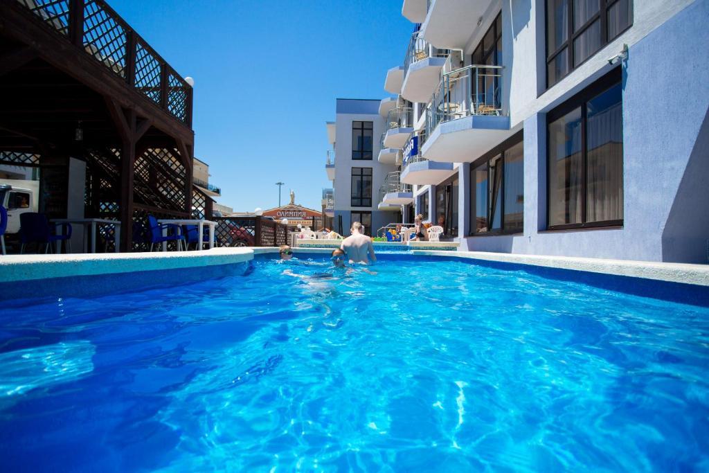 The swimming pool at or close to Hotel Kosmos U Akvaparka