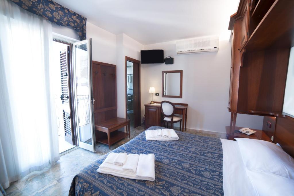 Hotel La Giara Cefalu, Italy