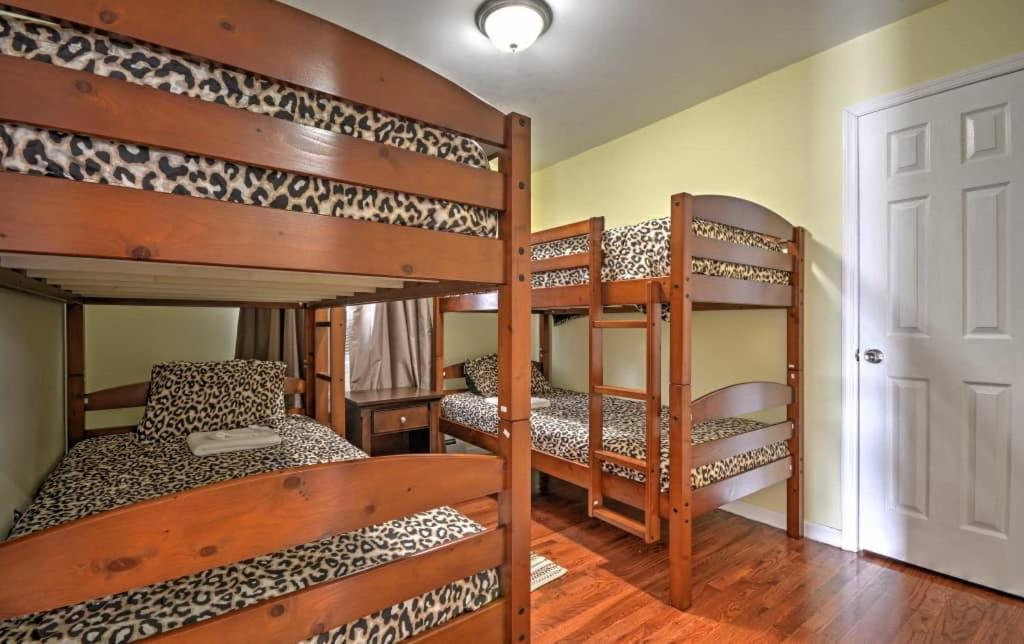 A bunk bed or bunk beds in a room at The Concierge