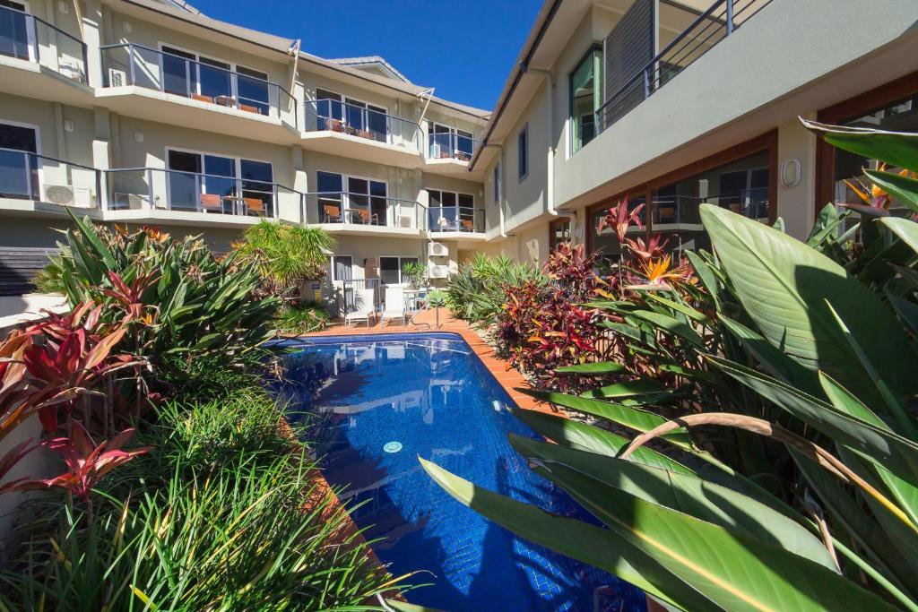 The swimming pool at or close to Yamba Beach Motel