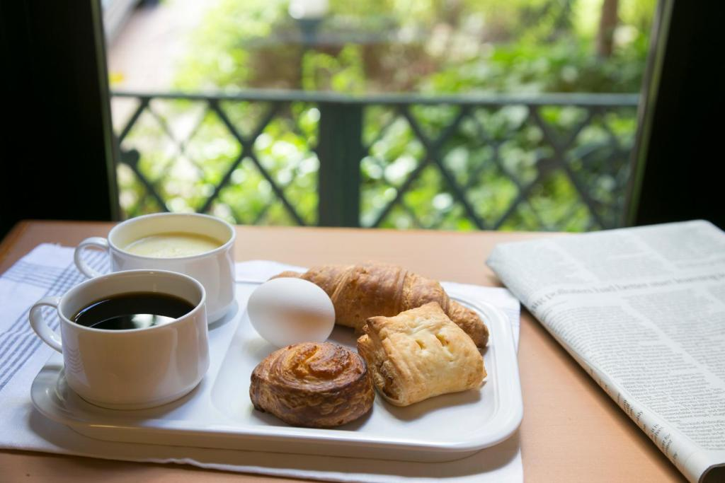 Breakfast options available to guests at R&B Hotel Kyoto Station Hachijoguchi