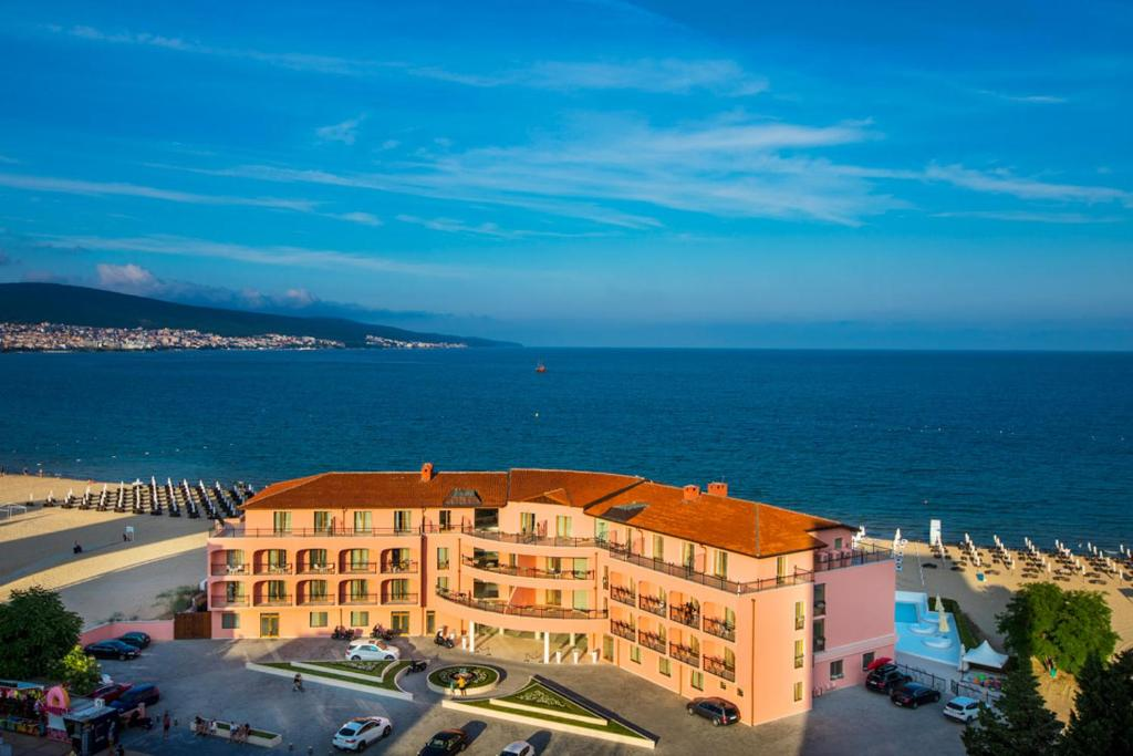 A bird's-eye view of Hotel Residence Dune - Free Beach Access