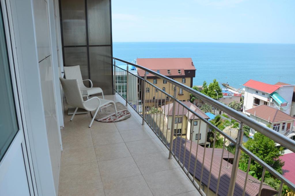 Балкон или терраса в Элитные Апартаменты у моря на Просвещения, 84