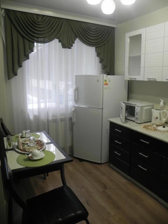 """Кухня или мини-кухня в Мини-отель """"Ходовой"""""""