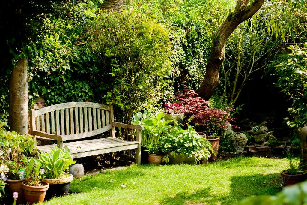 A garden outside The Old Stables B&B