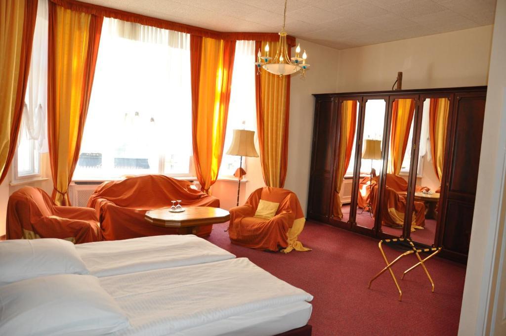 Hotel Pension Savoy near Kurfurstendamm Berlin, Germany