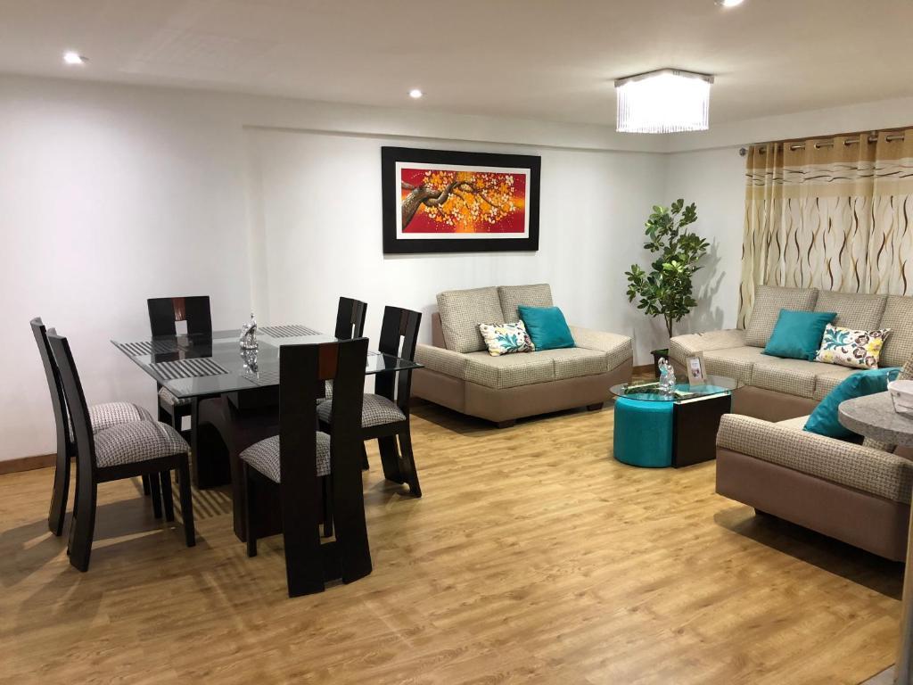 A seating area at Casona Apartament
