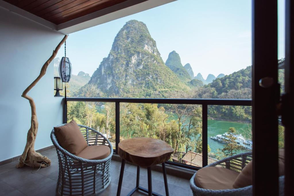 A balcony or terrace at Li River Resort