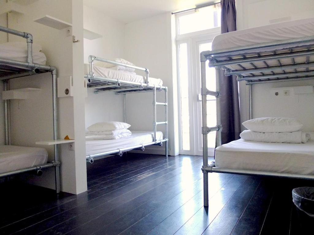 Een stapelbed of stapelbedden in een kamer bij Hostel 47