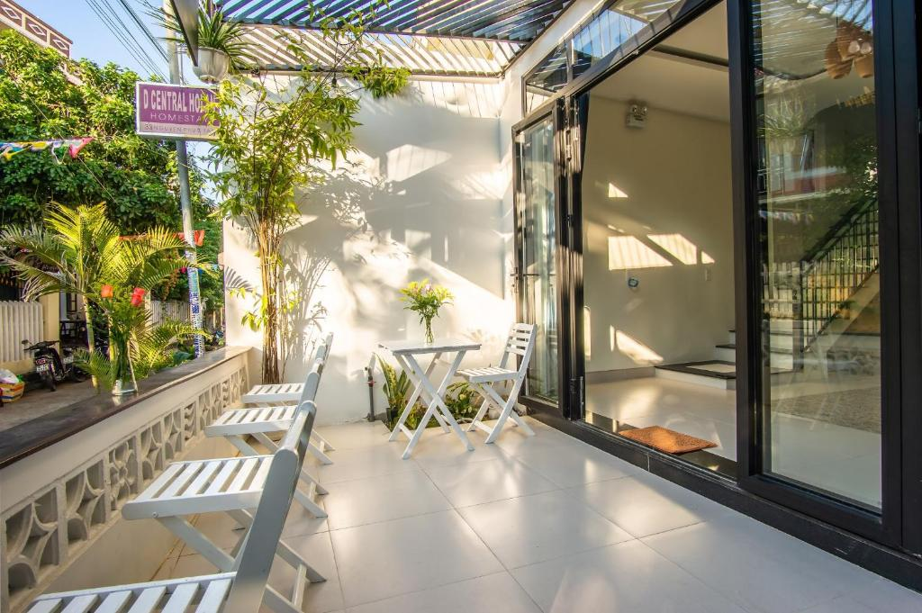 A balcony or terrace at D Central Hoi An Homestay