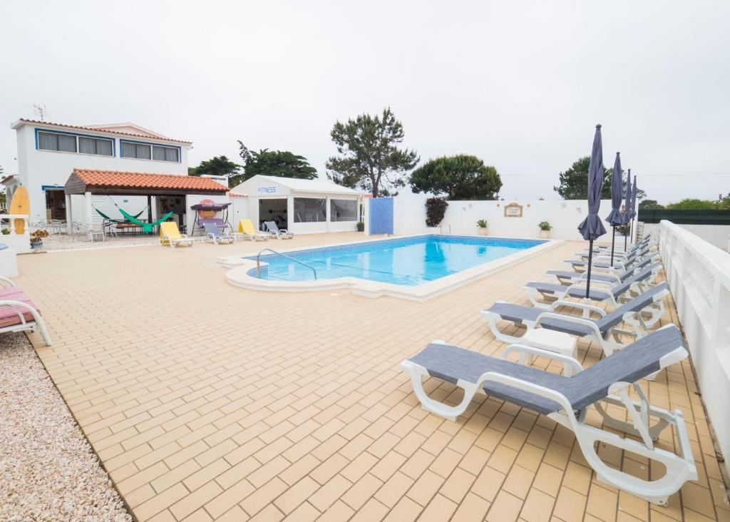 The swimming pool at or close to Apartamentos Apfel