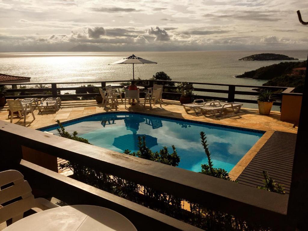 Uma vista da piscina em Buzios San Francisco ou nos arredores