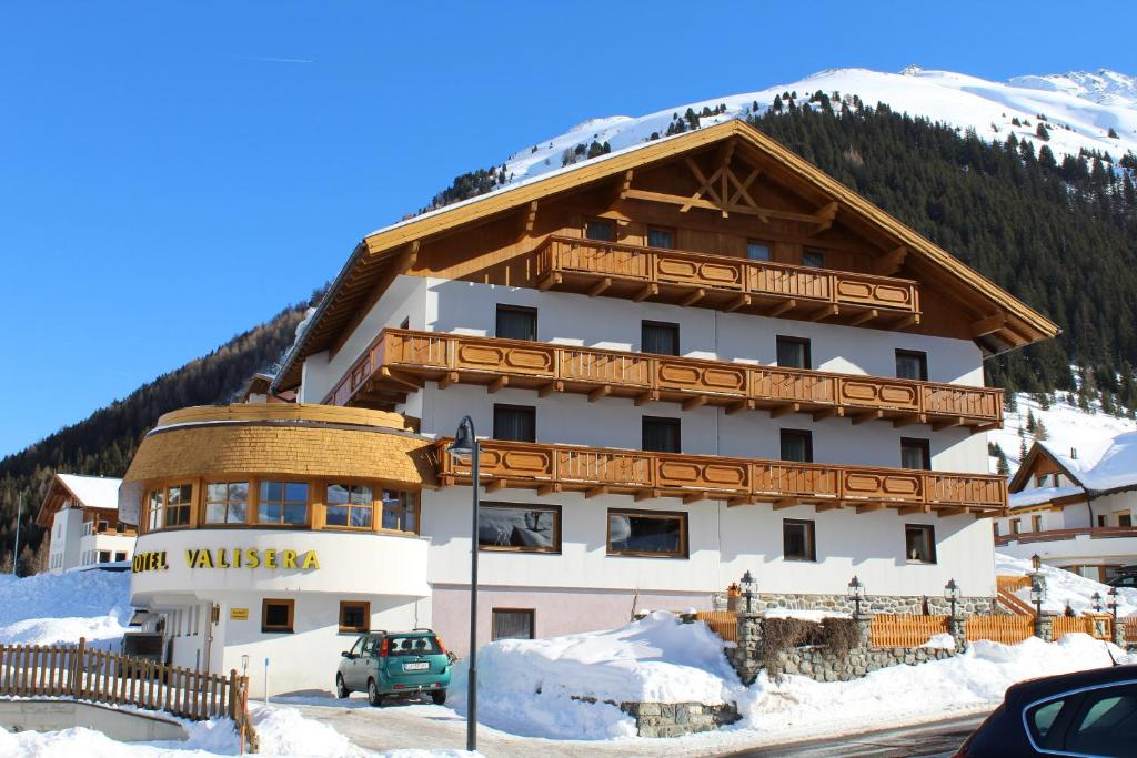 Hotel Valisera im Winter