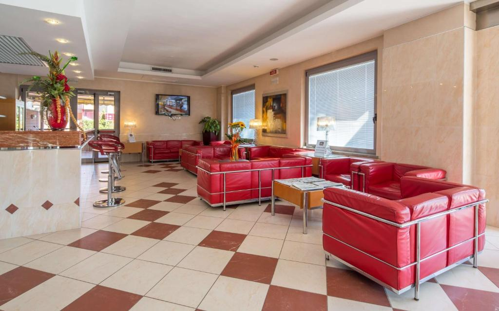 The lobby or reception area at Best Western Hotel I Triangoli