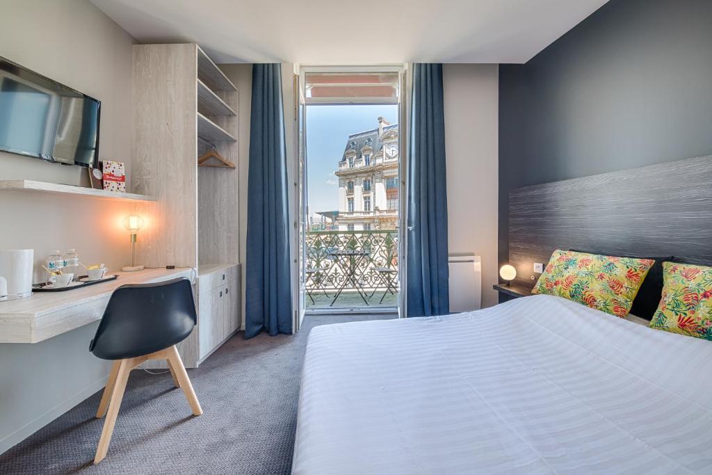 BDX Hotel Gare Saint-Jean Bordeaux, France