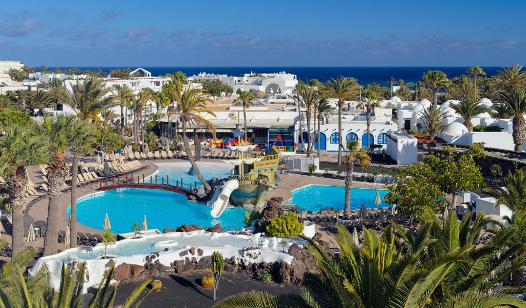 A view of the pool at H10 Suites Lanzarote Gardens or nearby
