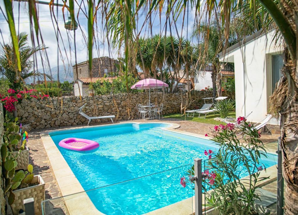 The swimming pool at or near villa Manzella 2 pa dal mare