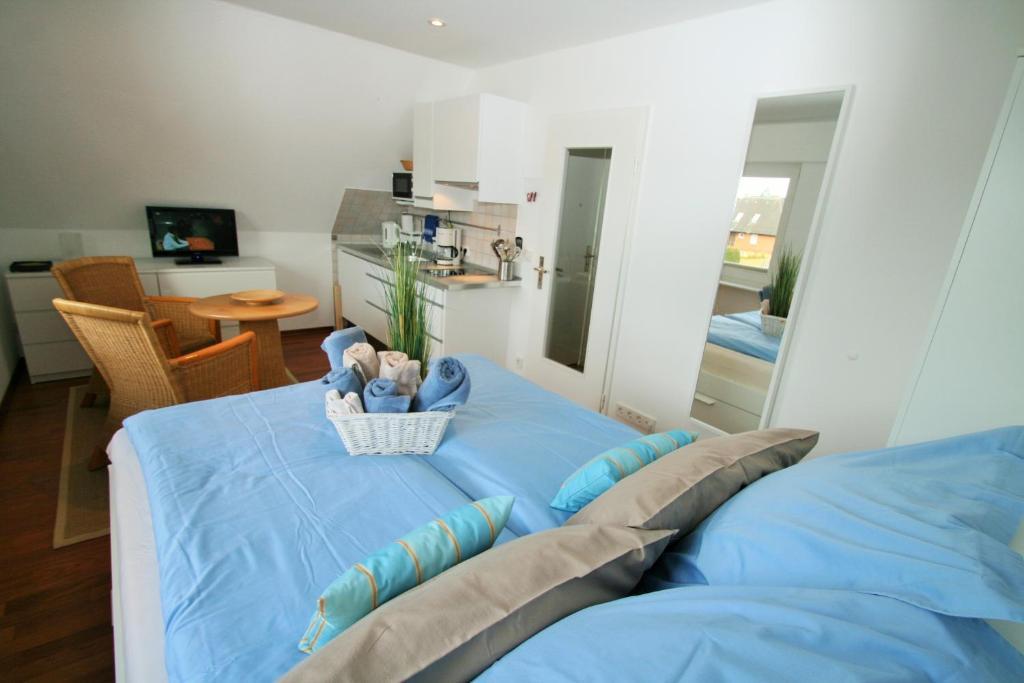 Ein Sitzbereich in der Unterkunft Ferienwohnungen Wyk/Föhr