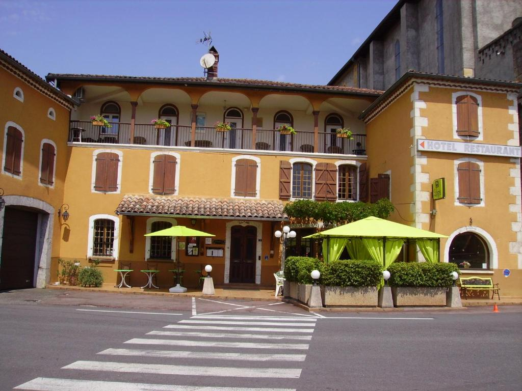 Hotels In Lacave
