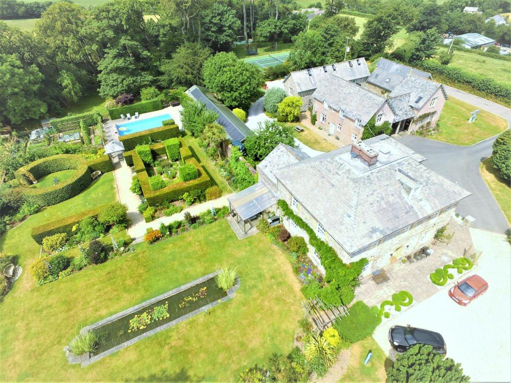 A bird's-eye view of Glebe House Cottages