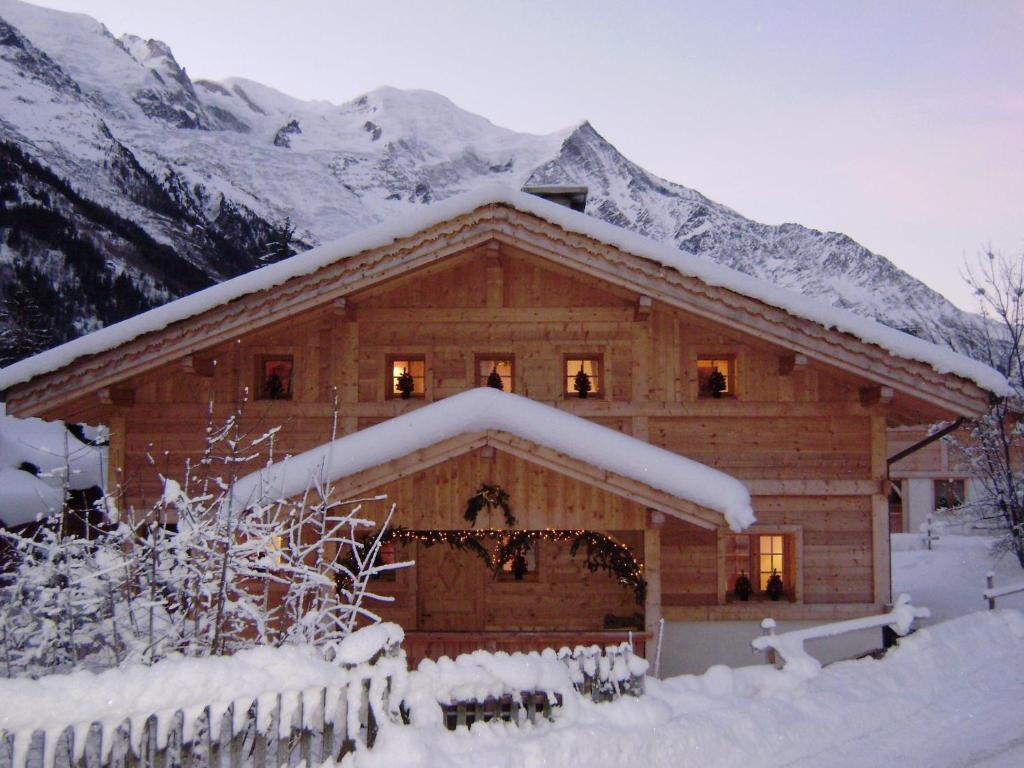 Chalet Altitude 1057 during the winter