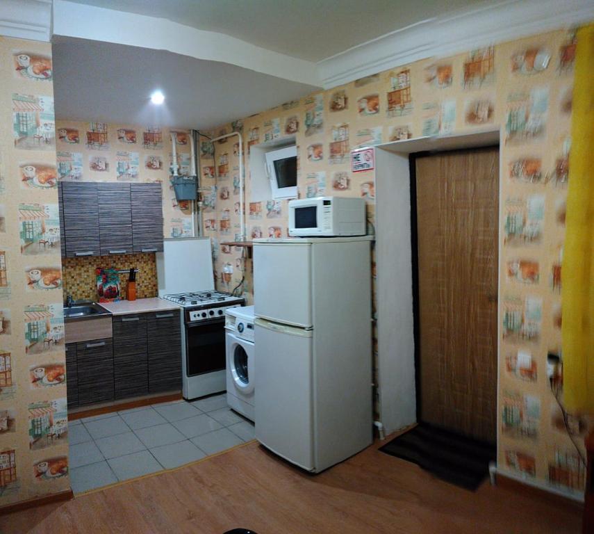 """Кухня или мини-кухня в """"на Шмидта"""""""