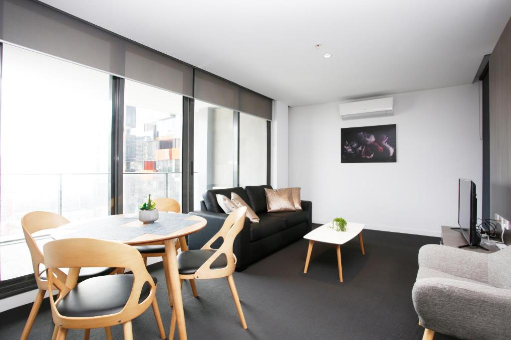 A seating area at Immaculate 2BR with 2 Bathroom Private Unit in CBD