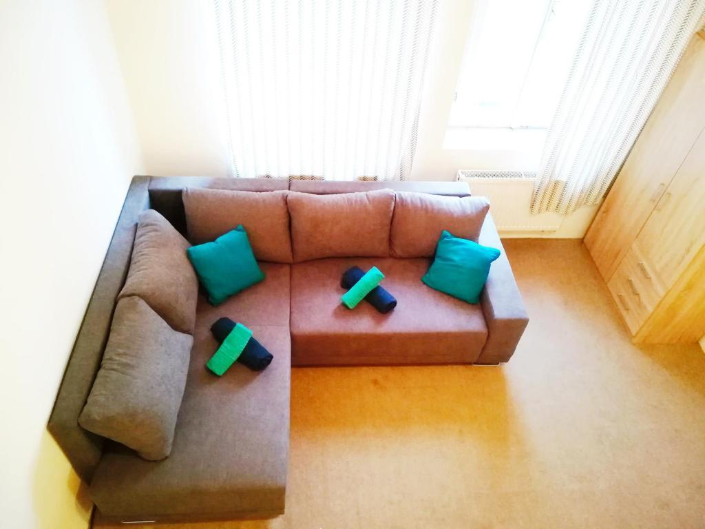Ein Sitzbereich in der Unterkunft Apartments House Seifertova