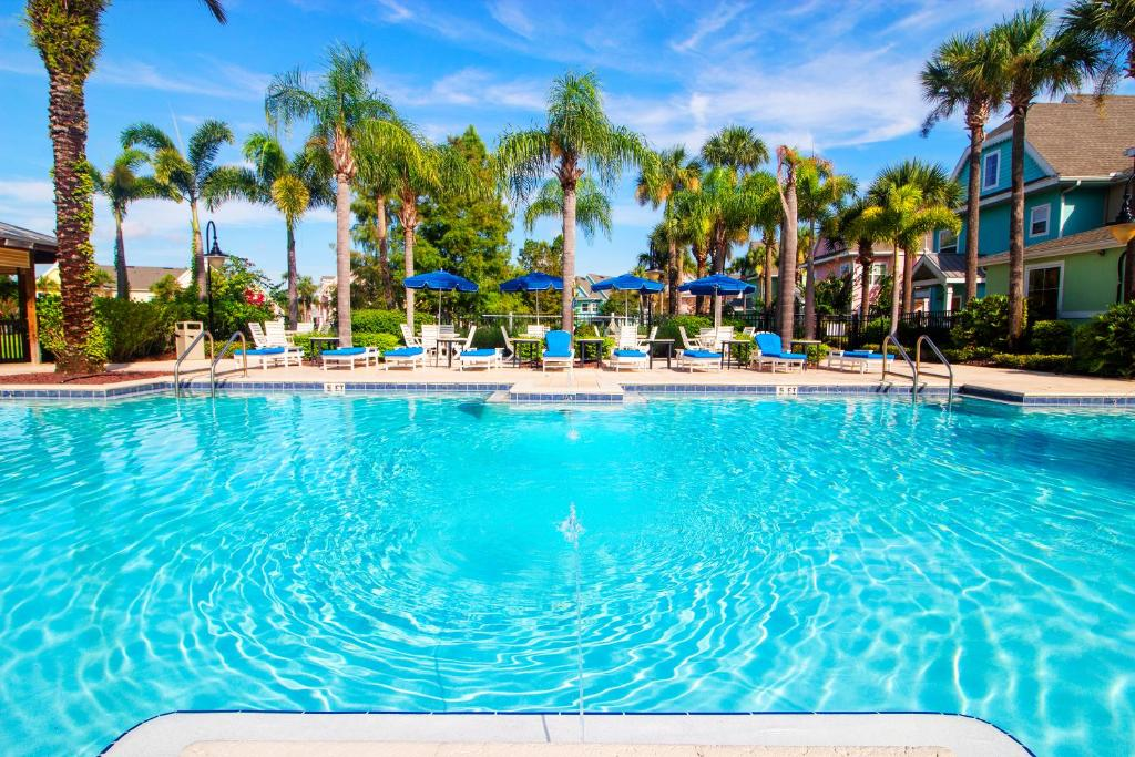 Runaway Beach Club Resort 2 Bedroom Kissimmee Fl Booking Com