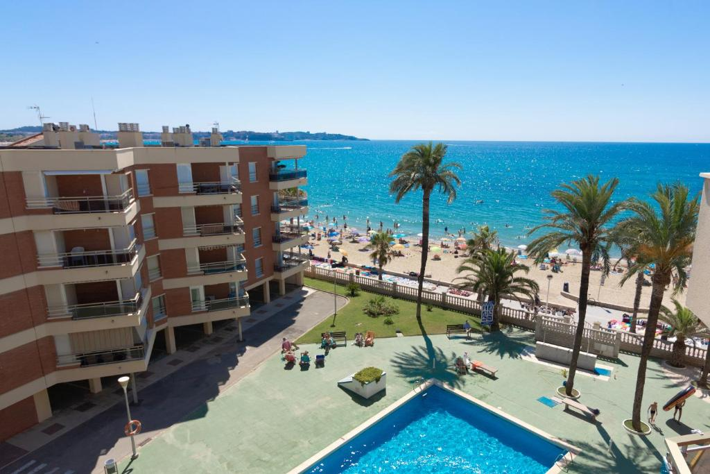 A view of the pool at Ibersol Sol De España or nearby