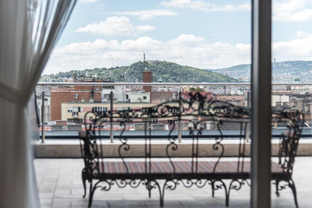 A balcony or terrace at Úttö Luxury Suites