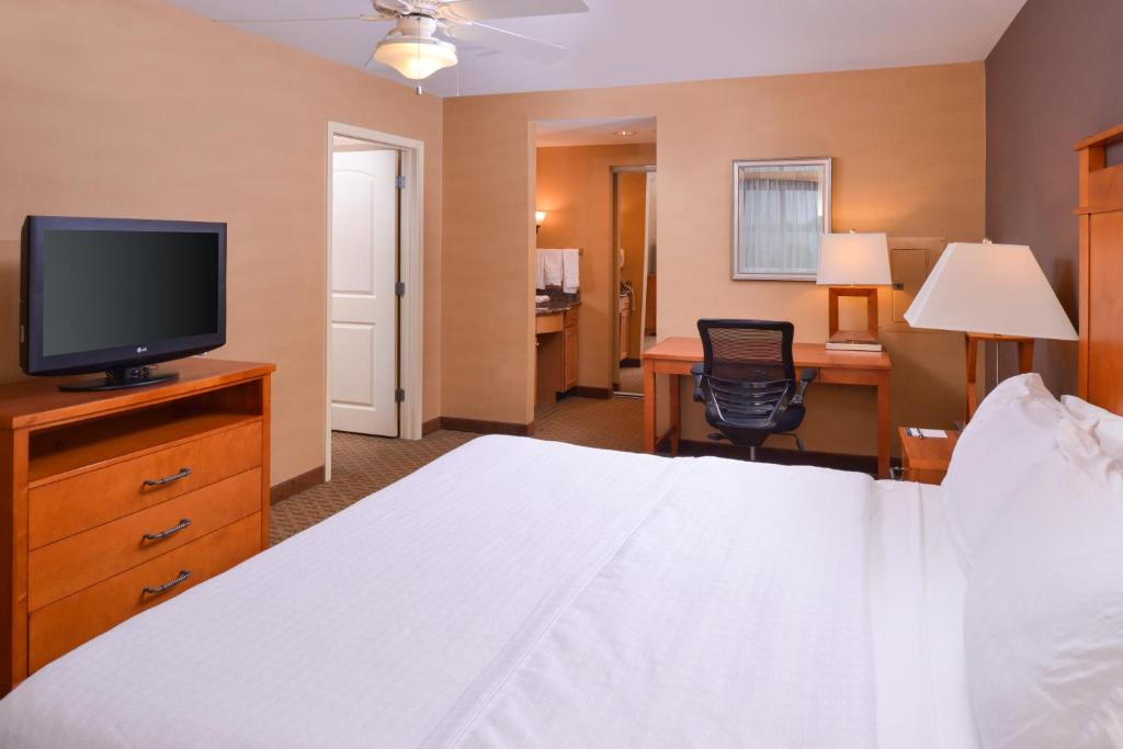 A television and/or entertainment center at Homewood Suites by Hilton Allentown-West/Fogelsville