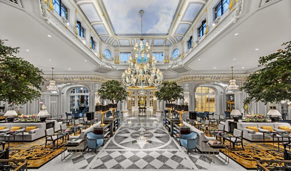 A restaurant or other place to eat at The St. Regis Rome