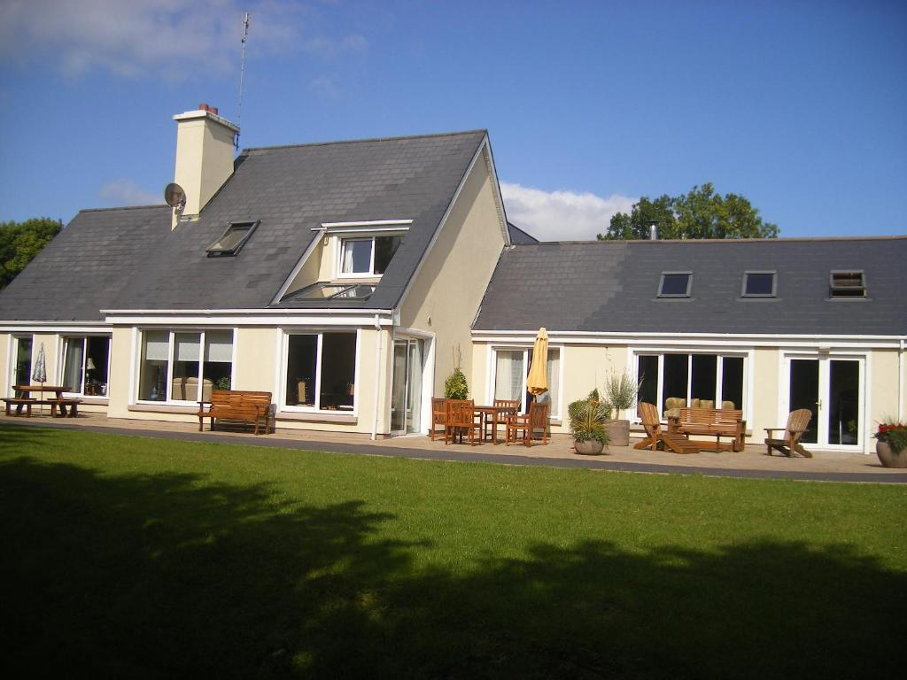 Camillaun Lodge with Lough Corrib Boat Hire