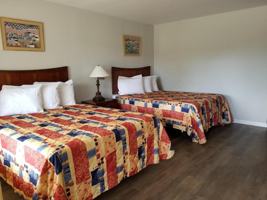 Red Carpet Inn Erie Pa Booking Com