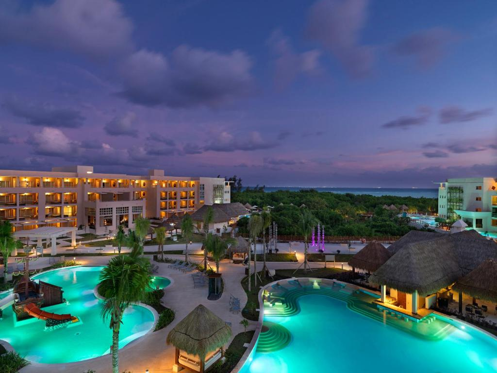 A view of the pool at Paradisus Playa del Carmen or nearby